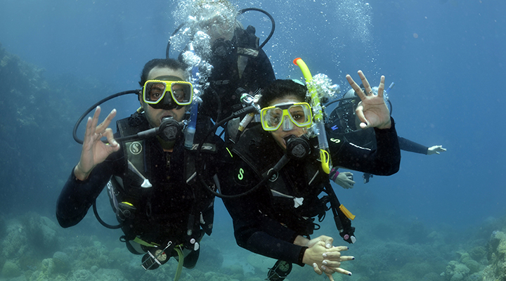 Keep smile-safe with scuba diving! Here's how: